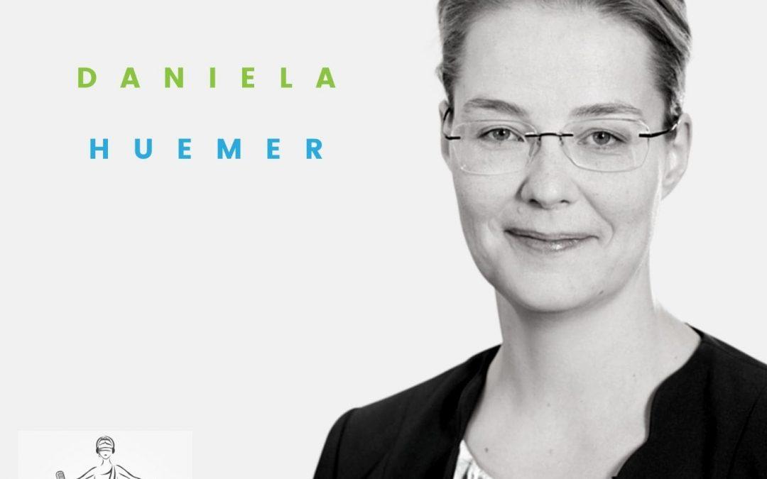 """Podcast #5: RA MMag. Dr. Daniela Huemer, LL.M.: Partnerin bei Haslinger Nagele, Co-Autorin des Lehrbuchs Gesellschaftsrecht, Lektorin an der JKU, Gewinnerin des """"Woman in Law"""" Awards"""